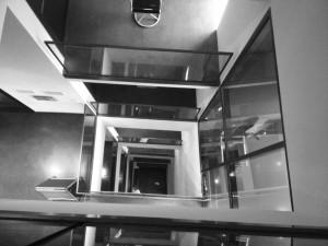 Licht am Ende des Foursquare-Tunnels? Blick nach unten im Dortmunder U